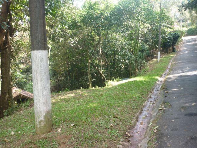 http://www.imobiliariapinheiro.com.br/fotos_imoveis/10286/P1110172.JPG