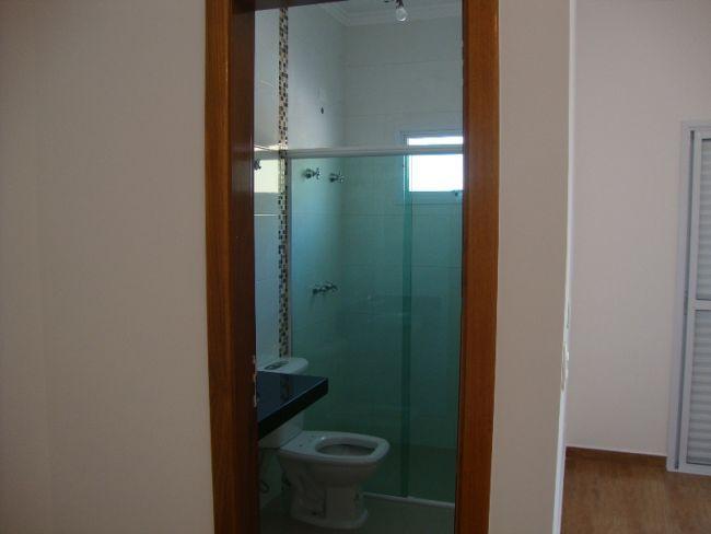http://www.imobiliariapinheiro.com.br/fotos_imoveis/10333/DSC09548.JPG